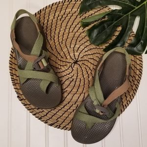 Chaco women sandals 8